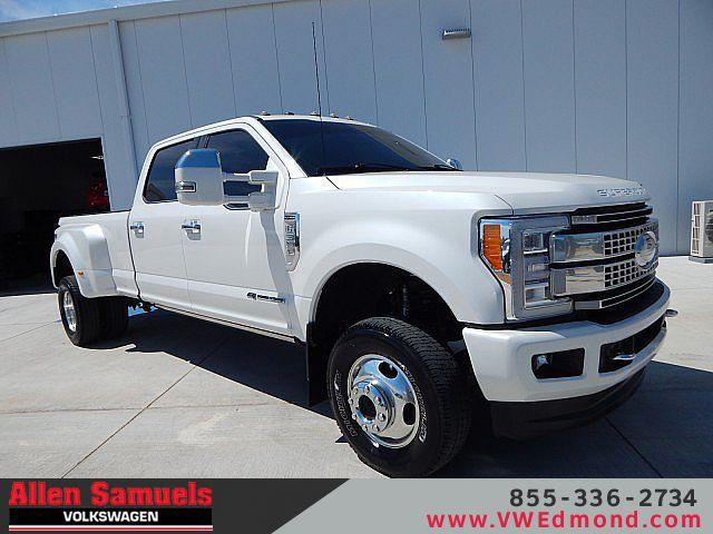 Pre-Owned 2017 Ford Super Duty F-350 DRW Platinum 4WD Crew Cab 8' Box