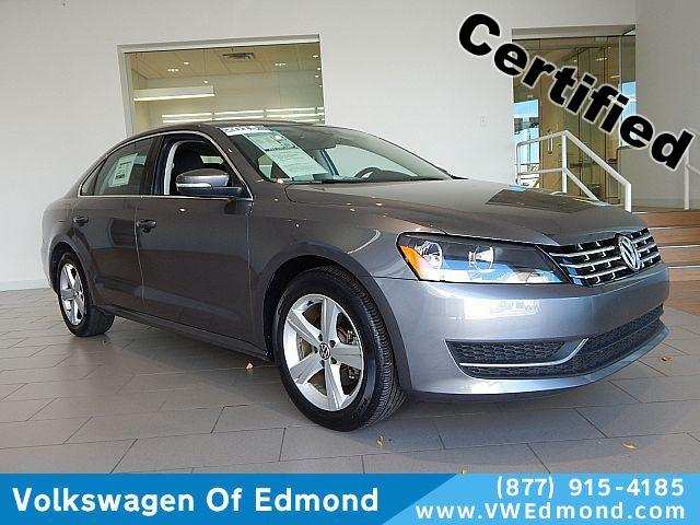 Certified Pre-Owned 2015 Volkswagen Passat 4dr Sdn 2.0L Manual TDI SE